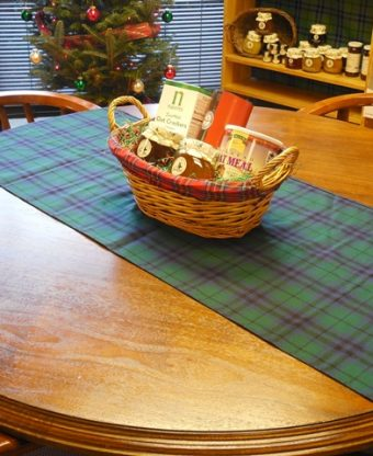 Table Runner in Tartan -0
